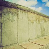 Retro Look Berlin Wall
