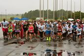 Runners Take Off At Start Of Wet Race In Atlanta