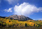 Kebler Pass montanhas & nuvens