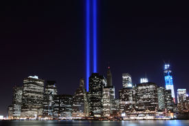 picture of tribute  - Manhattan skyline and the Towers of Lights  - JPG