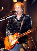 Dave Amato Singing & Playing Guitar