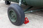 pic of military helicopter  - Military helicopter wheel - JPG