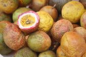 picture of passion fruit  - fresh passion fruit on a table at the market - JPG