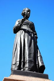 pic of statistician  - A bronze memorial statue of Florence Nightingale in Waterloo Place - JPG