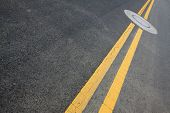 pic of trapezoid  - yellow double solid line on the road - JPG