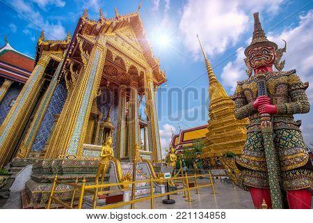 Grand Palace And Wat Pra