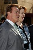 LOS ANGELES - DEC 18: Arnold Schwarzenegger and Sigourney Weaver at a ceremony as James Cameron receives a star on the Hollywood Walk of Fame in Los Angeles, California on December 18, 2009