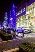 Постер, плакат: Vancouver Bc Canada January 9 2018: Acura Automobile Dealership Store Front Acura Is The Luxury