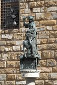 picture of beheaded  - Statue of Judith and Holofernes in Signoria Square of Florence - JPG