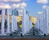 picture of banquette  - image of many  fountain on street at day - JPG