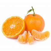 foto of clementine-orange  - Orange mandarins with green leaf isolated on white background - JPG