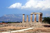 O Templo de Apolo em Corinto antigo