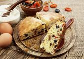 Mannik, Semolina Cake With Dried Fruits