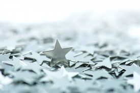 pic of status  - One standing star - JPG