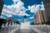 Yi Sun-sin Statue Fountain Daytime