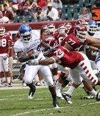 Buffalo linebacker Justin Winters r