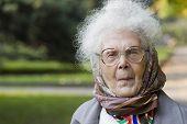 Retrato de velha senhora no Parque