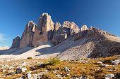 Bergpanorama der Dolomiten In Italien bei Sonnenuntergang - Tre Cime Di Lavaredo