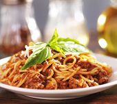 image of spaghetti  - plate full of spaghetti and meat sauce - JPG