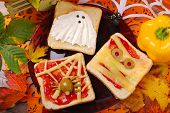 picture of funny ghost  - funny sandwiches with ghostmummy and spider web for halloween party - JPG