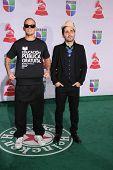 LOS ANGELES - 10 de NOV: Rene Perez Joglar (Residente), Eduardo Cabra Martonez (Visitante) - Calle 13