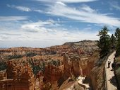 Coming and going at the Navajo Loop Bryce Canyon