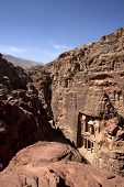 foto of treasury  - The Treasury in the Petra area of Jordan - JPG
