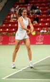 Patty Schnyder der Schweiz im Spiel gegen Frankreichs Araval Rezai bei den Qatar Total Open, Feb 2