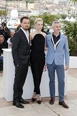 CANNES - MAY 15: Leonardo DiCaprio, Carey Mulligan and Baz Luhrmann at a photocall for 'The Great Ga