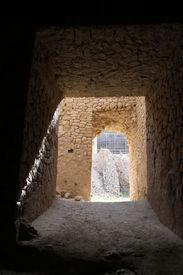 pic of zoroastrianism  - Corridor in zoroastrian temple Qal - JPG