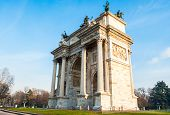 pic of neo-classic  - Arch of Peace of Milan built in 1800 in neo - JPG