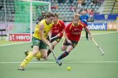 THE HAGUE, NETHERLANDS - JUNE 2: Simon Orchard (AUS) tris to find a way through the Spanish Defense
