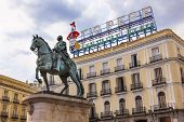 King Carlos Iii Equestrian Statue Tio Pepe Sign Puerta Del Sol Madrid Spain