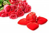 Beautiful Pink Roses And Four Hearts