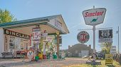 Route 66: Gay Parita Sinclair Gas Station, Paris Springs, IL