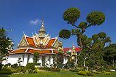 Sky And  Church  Wat Arun