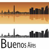 Horizonte de Buenos Aires en fondo naranja