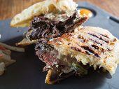 Zeldzame Gegrilde Steak Panini