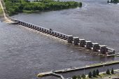 image of dam  - A lock and dam on the Mississippi River - JPG
