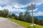 pic of naturel  - Road sign on the D72 directing towards Foix - JPG