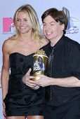 Cameron Diaz and Mike Myers in the press room at the 2007 MTV Movie Awards. Gibson Amphitheatre, Universal City, CA. 06-03-07