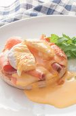 picture of benediction  - Egg Benedict with smoked salmon and Hollandaise sauce - JPG