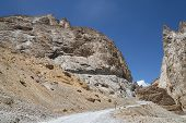 picture of ravines  - Road In Ravine Of Ladakh Mountains - JPG