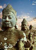 Постер, плакат: Скульптуры демонов из Азии Сфотографированы в храмовый комплекс Ангкор Ват Камбоджа
