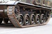 Lagartas de um tanque