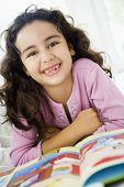 Nahen Osten Kind Buch zu Hause