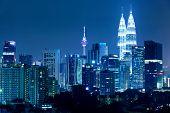 Kuala Lumpur Skyline bei Nacht