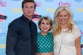 LOS ANGELES - AUG 11:  Derek Theler, Chelsea Kane, Melissa Peterman at the 2013 Teen Choice Awards a
