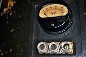 Dial gauge high voltage