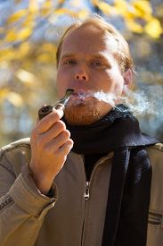 pic of tobacco-pipe  - Young beautiful red - JPG